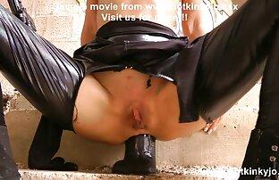 ساعت شیاطین ماشا و ساشا وزوز روی فیلمهای کامل سکسی تخت تحت یک نوازنده سرد