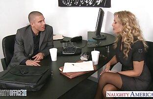 بریت در جوراب عکس سکسی کامل ساق بلند نوازش و یک مرد