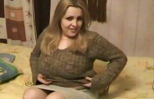 نشسته بر روی صورت از یک دختر دانلود فیلم کامل سکسی مدرسه ای نقاب دار با الاغ