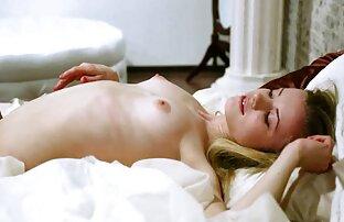 سکسی آسیایی سکس با حجاب کامل گسترش می یابد پاهای خوشمزه و نوازش بیدمشک خیس او