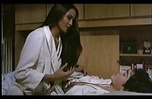 مرد فشار و fondles گره خورده است تا دختر دانلود فیلم سکسی کامل