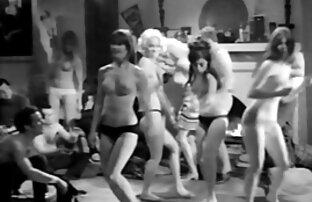 دختر, داغ با داشتن سرگرم کننده با وسیله ارتعاش سکس کامل اینستاگرام و نوسان